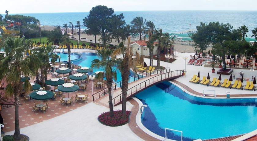 Бассей отеля Club Boran Mare Beach 4* HV1 (Клуб Боран Маре Бич)