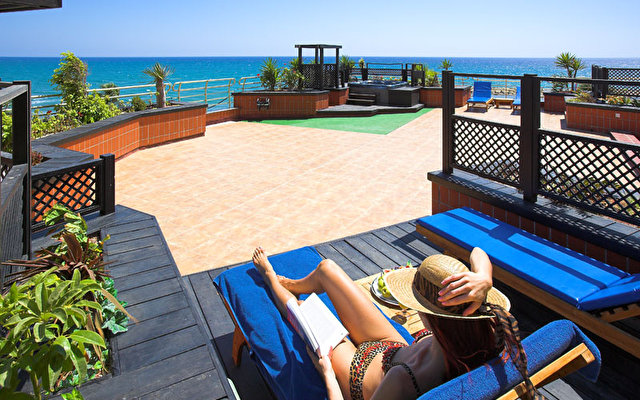 балкон отеля Golden Bay 5*  (Golden Bay)