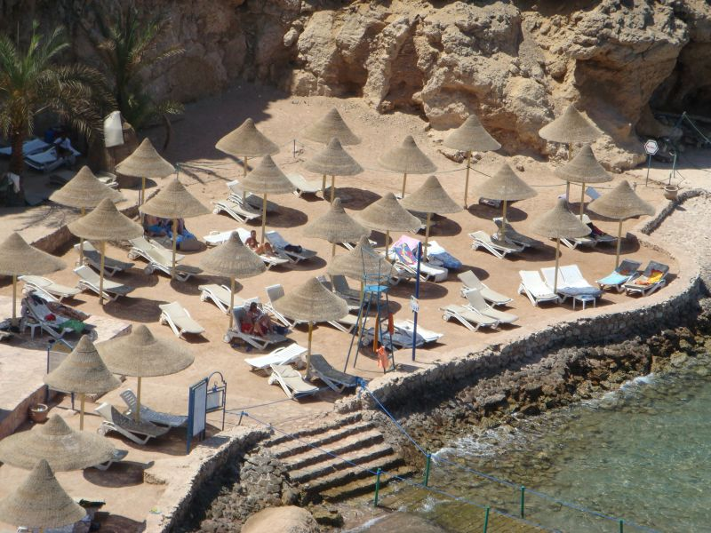 Пляж отеля Dreams Beach Resort Sharm El Sheikh 5*  (Дримс Бич Резорт Шарм Єль Шейх)