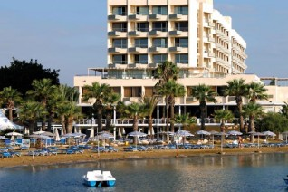 Отель Golden Bay 5*  Golden Bay