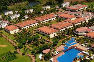 Отель The Lalit Golf & Spa Resort 4*  Зе Лалит Гольф энд Спа Резорт  INTERCONTINENTAL GOA